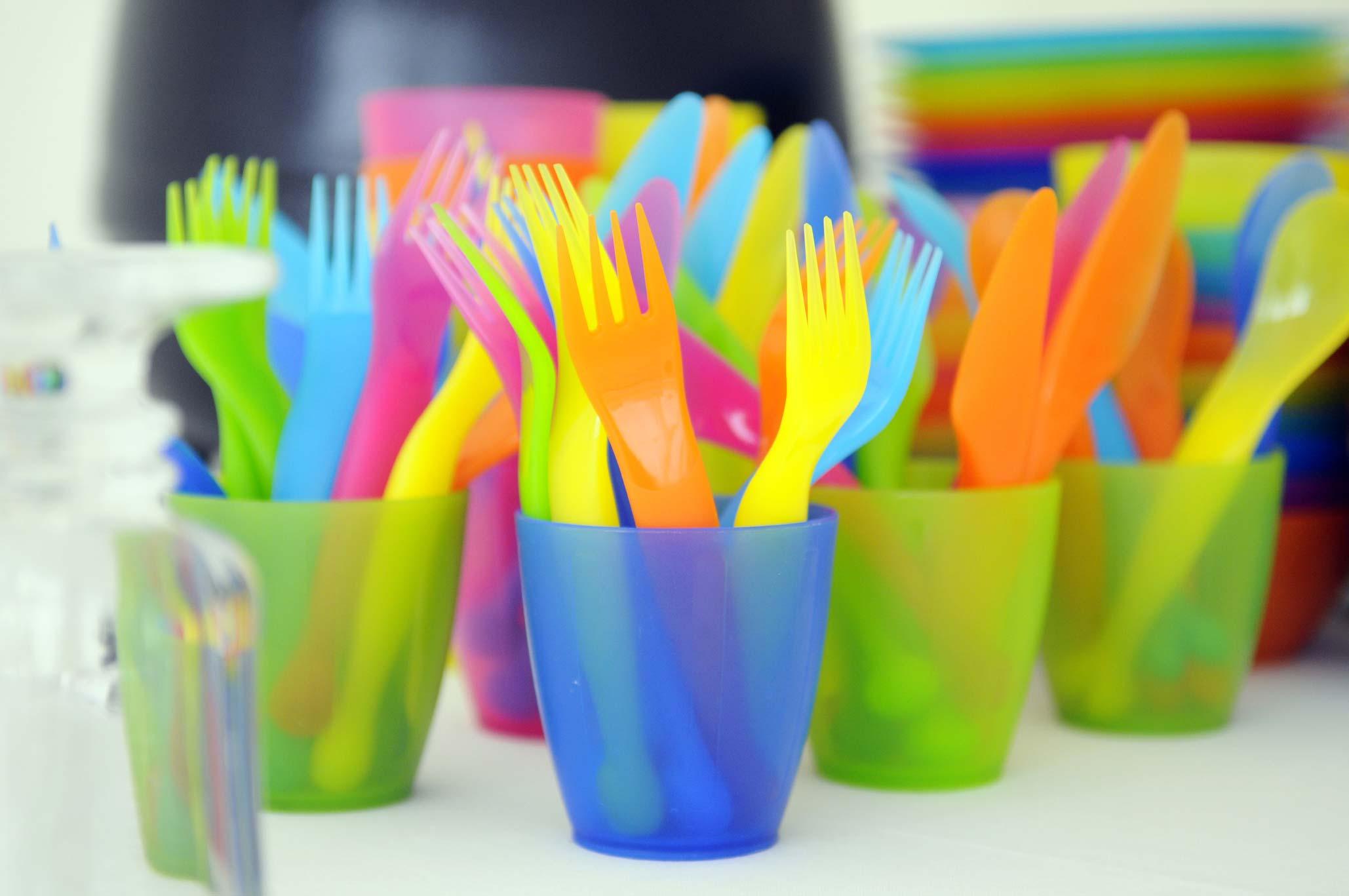 plastic-utensils